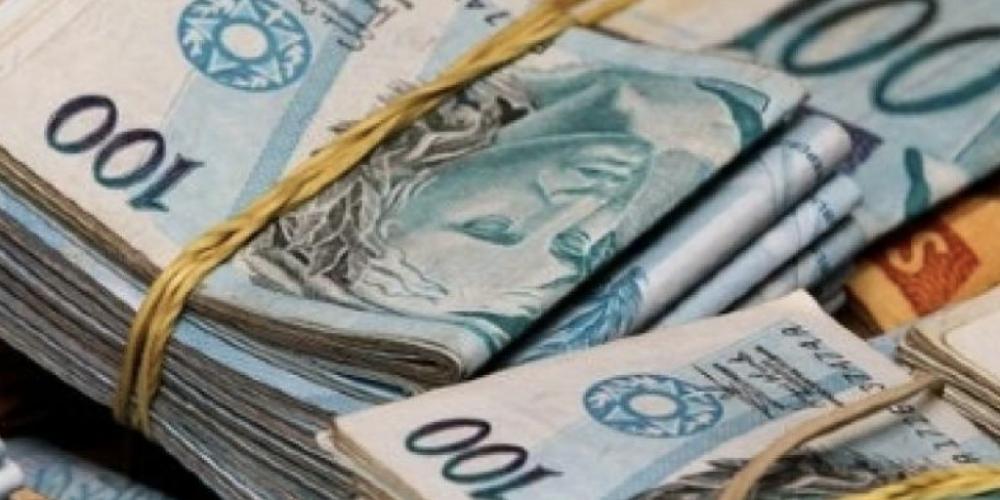Aumentos de impostos e compra de terrenos para socorrer a URBS vão marcar a próxima semana na Câmara de Vereadores de Curitiba