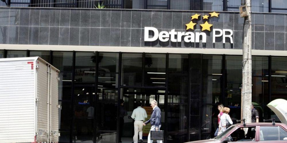 Gastança: Detran vai pagar até R$ 50 mil em placas para salas, guichês e avisos