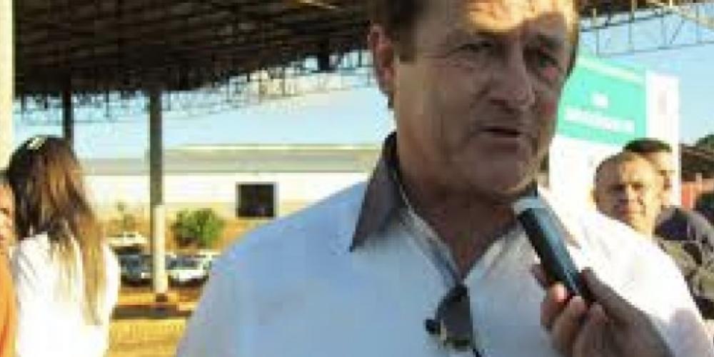 O ex-prefeito de Cambira, Sidnei Bellini, foi preso no final da tarde desta sexta-feira (15/12) por suspeita de estupro de vulnerável de uma menina de 13 anos