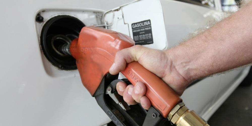 Petrobras reduz, nesta sexta (17/11), o preço dos combustíveis nas refinarias. E o consumidor, vai ser contemplado?