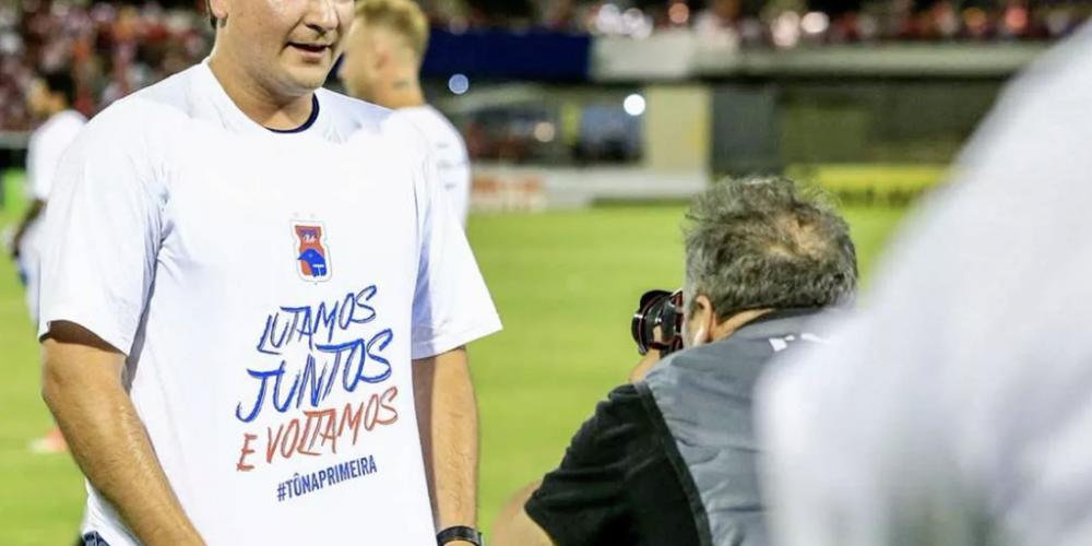 Matheus Costa, 30 anos e estudioso do esporte mais amado do país, comandou a volta do Paraná Clube à série A