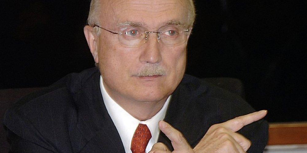 Osmar Serraglio do PMDB pode deixar o partido. Namoro quente com Ricardo Barros