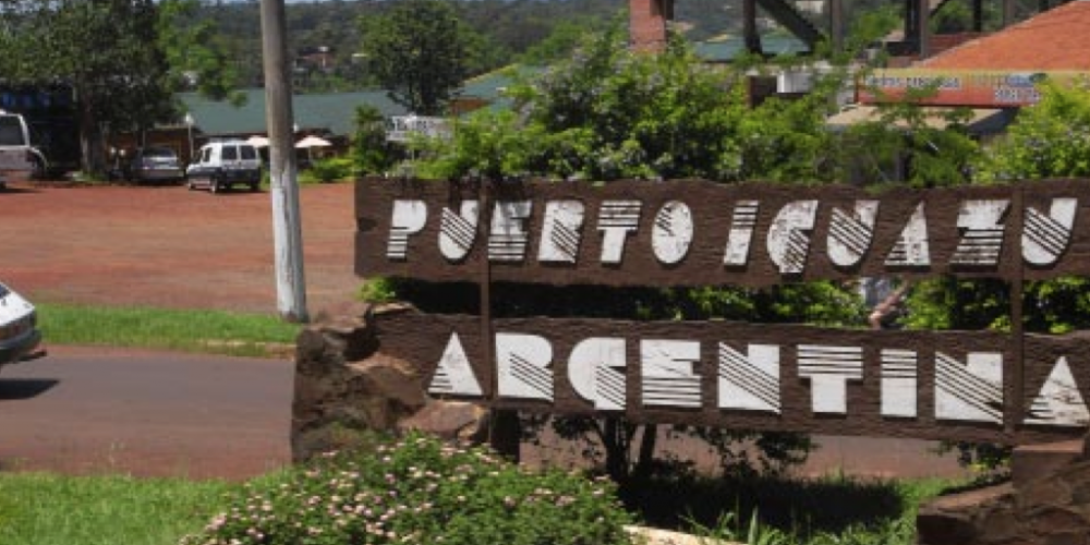 Que coisa feia! Argentina passa a cobrar Carta Verde para acessar o Porto Iguaçu. Quem não apresenta o documento é convidado a se retirar