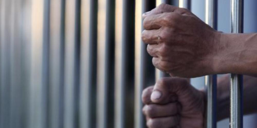 Sistema prisional falido. Por pouco não acontece uma fuga em massa da cadeia de Arapongas. Agentes carcerários conseguiram impedir