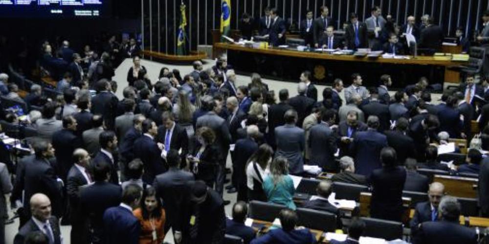 Congresso Nacional: 60% dos brasileiros consideram ruim ou péssimo o desempenho dos atuais deputados federais e senadores