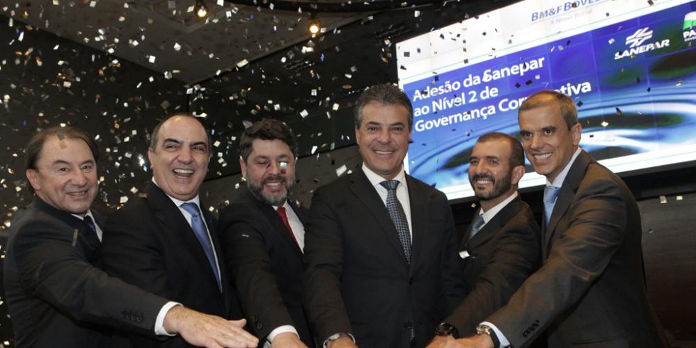 Beto Richa autoriza venda de R$ 551 milhões em ações do governo na Sanepar. Maior acionista, o Paraná pode vender até 9.986.263 de Units