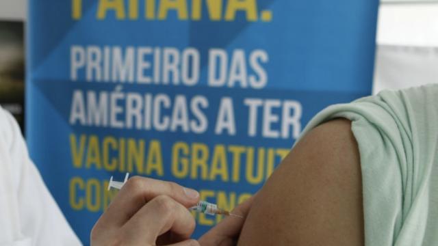 O caso das vacinas contra dengue está ficando feio para Beto Richa. Entidade contesta a vacina e pede interrupção da campanha