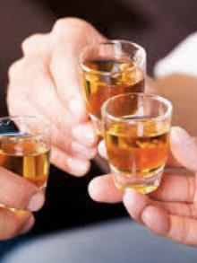 """Não tem como não experimentar uma boa cachaça. Exportação da """"mardita"""" cresceu 8,6% em 2017. Se beber não dirija"""