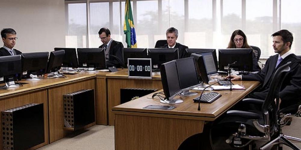 O grande julgamento. Férias de desembargadores podem ter influência sobre o calendário do julgamento de Lula