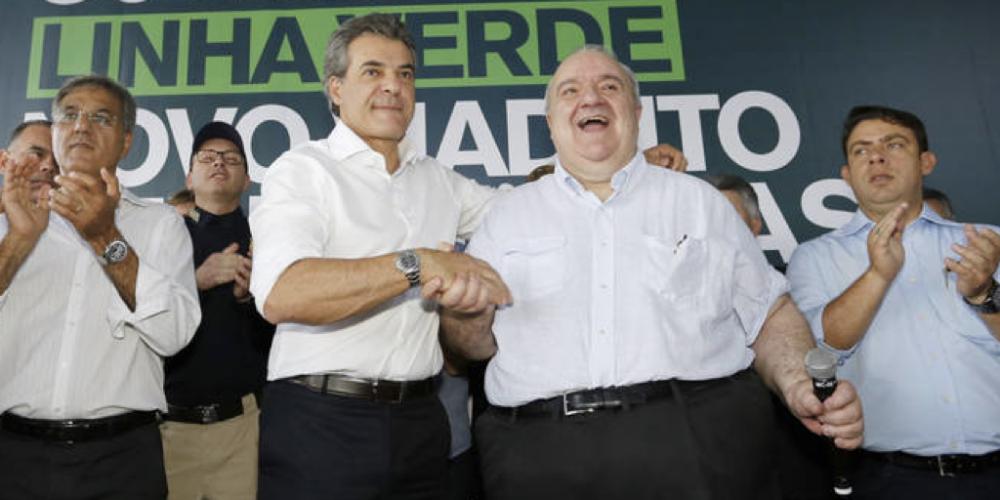 Beto Richa, o eterno Papai Noel do prefeitão Rafael Exibidão Greca. Mais dinheiro para Curitiba. Agora, ele diz que vai liberar R$ 80 milhões