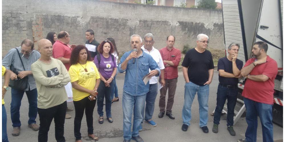 Requião participa de encontro da UMP e se solidariza com a criação do Comitê da Moradia pela Democracia