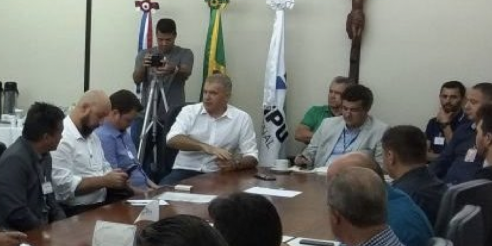 Lançado em Foz do Iguaçu o projeto CBF SOCIAL com parceria da Itaipu. A iniciativa é do ex-árbitro e dep. federal Evandro Roman
