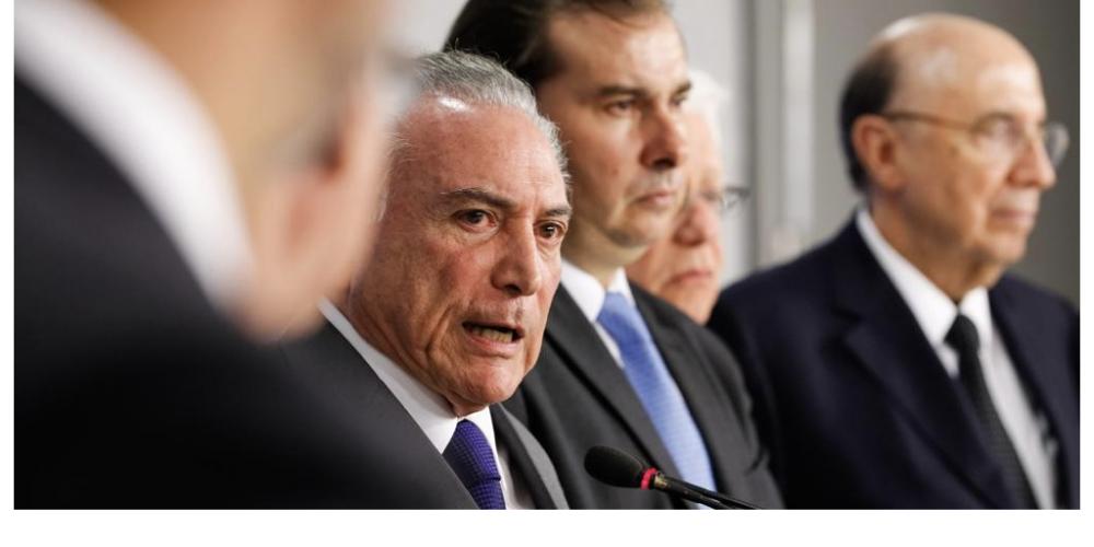 Michel Temer corre atrás de saídas e parlamentares, podendo até antecipar pagamento de emendas a deputados. Tudo em nome da Reforma da Previdência