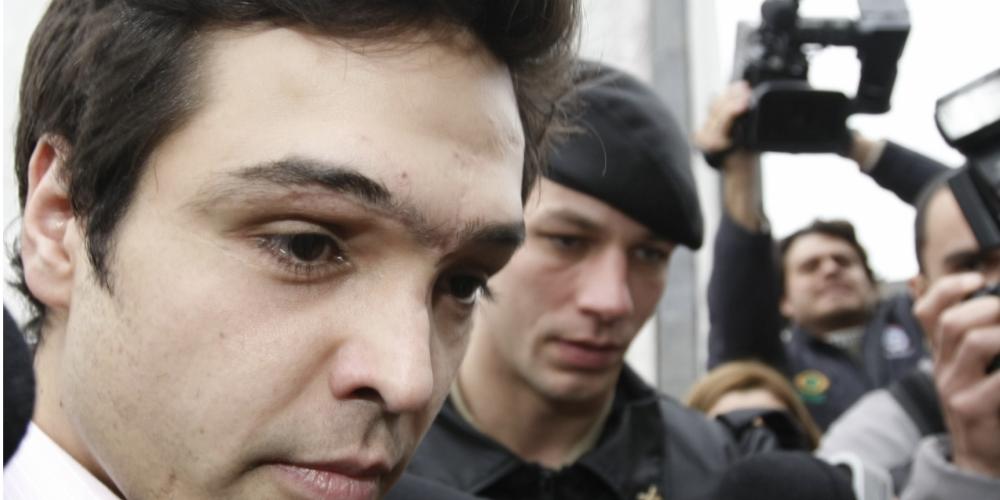 Tribunal do Júri de Curitiba julga o ex-deputado Luiz Fernando Ribas Carli Filho. Há mais de 9 anos, ele causou acidente que matou 2 jovens