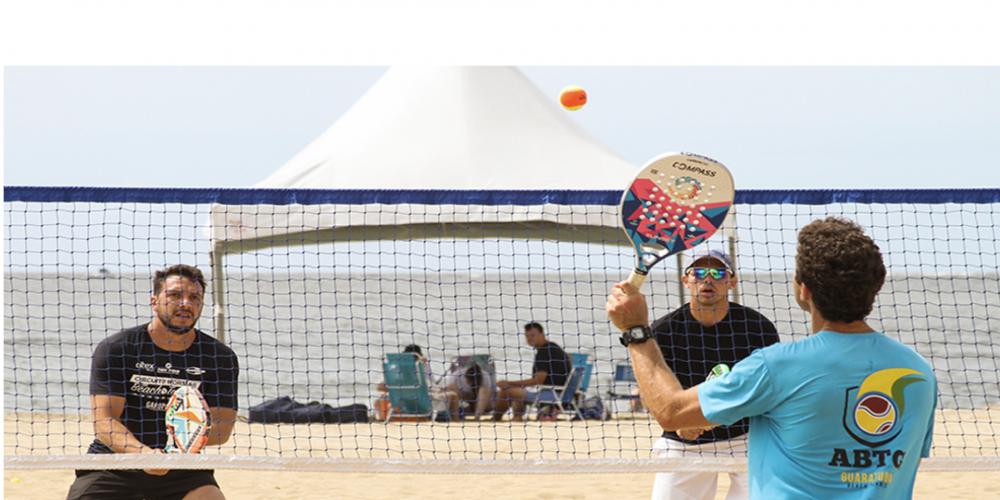 Beach Tennis: o esporte da moda. Fácil de jogar, a modalidade é uma das que mais cresce no Brasil e já atinge mais de 500 mil pessoas em todo o mundo