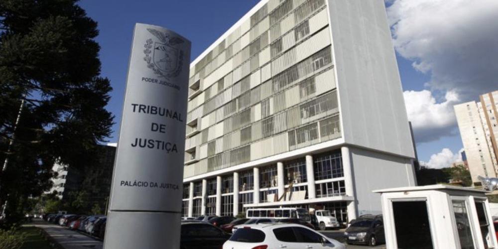 Vergonha. Enquanto milhares não tem moradia digna, o Paraná gasta R$ 3,79 milhões com auxílio-moradia para juízes e desembargadores