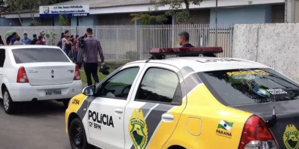 Explode a violência nas escolas do Paraná. Aproximadamente 10 mil professores foram vítimas. Registrados quase 1.400 casos de alunos com armas