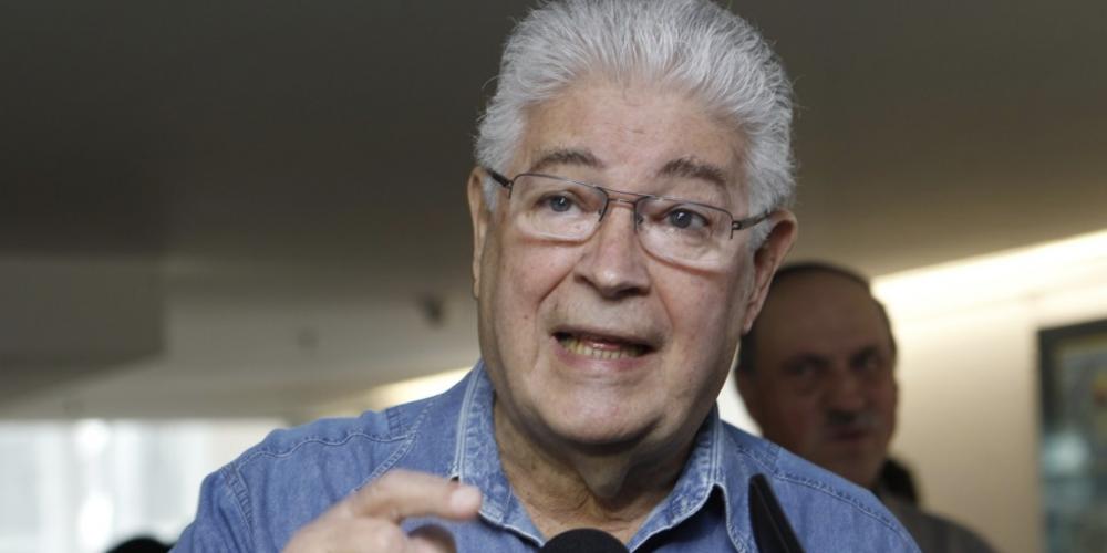 """Roberto Requião: """"O governo de Beto Richa acabou, e se quiserem uma limpeza completa, me chamem que eu vou."""""""