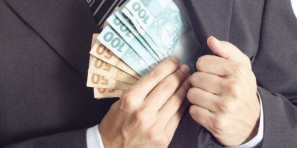 E a grana para financiar as eleições? As novas regras podem fazer desandar, ainda mais, o uso do Caixa 2