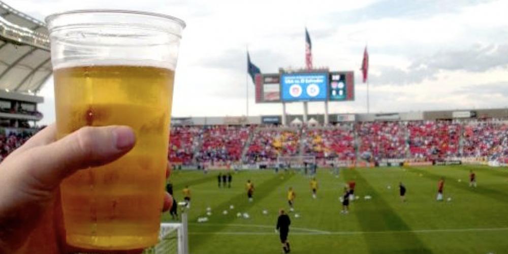 """Cumpre-se a decisão da Justiça, mas essa de proibir a venda de cerveja nos estádios é """"PRACABAR"""""""