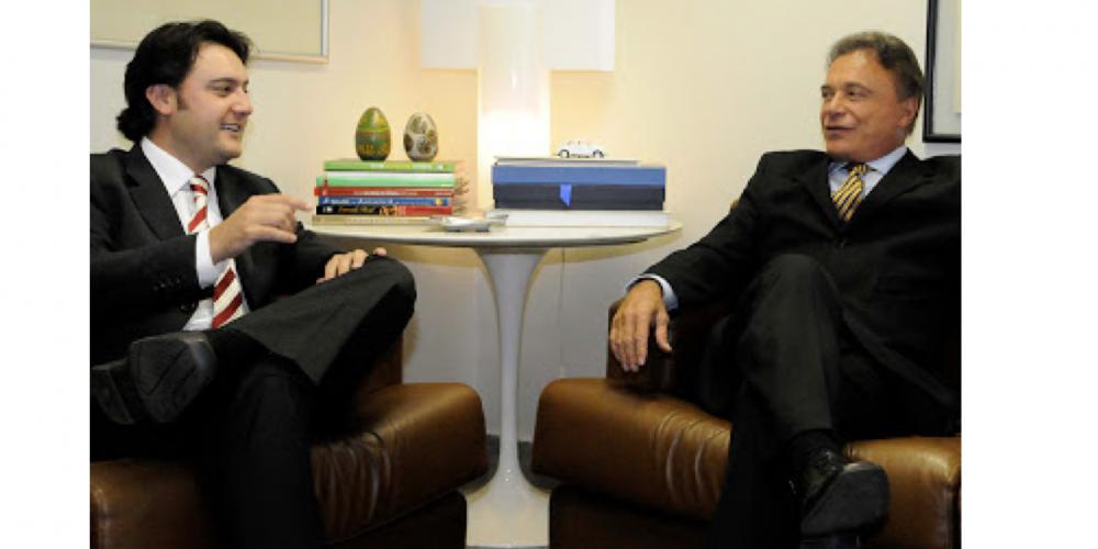 Encontro entre Álvaro Dias e Ratinho Junior acontece neste momento no gabinete do senador. Em pauta a sucessão estadual e os rumos do país