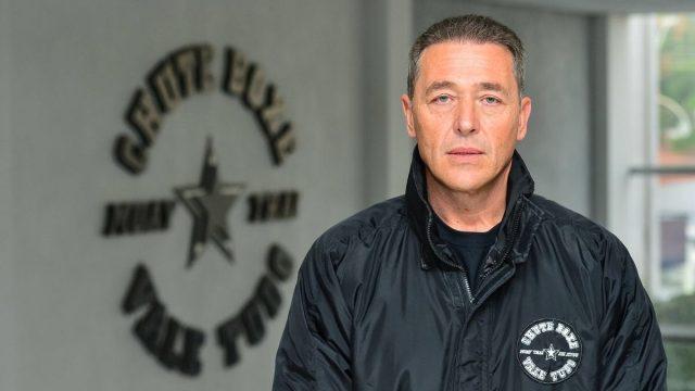 Rudimar Fedrigo, da marca Chute Boxe, fala das lutas marciais, dos atletas e de política. Ele pode ser candidato a deputado estadual