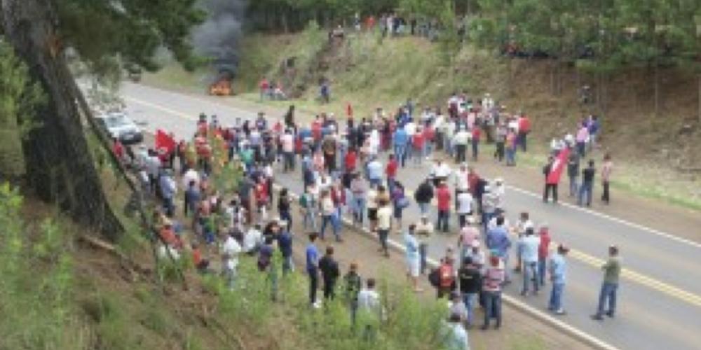 Quando há terra demais e falta espaço para muitos. Movimento Sem Terra toma armas de vigilantes e ocupa área em Pinhão