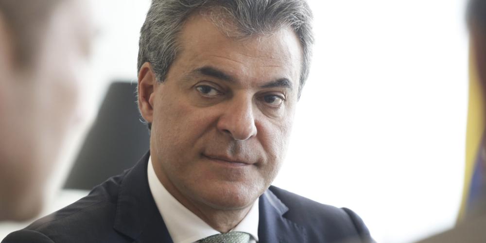 Chegados de Beto Richa prestando depoimentos na Polícia Federal, a desincompatibilização, os Barros e as eleições de 2018