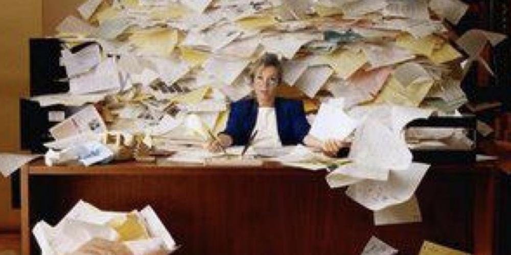 O Comitê de Desburocratização, burocratizou. Durou somente quatro meses. O governo do Paraná não quis saber…