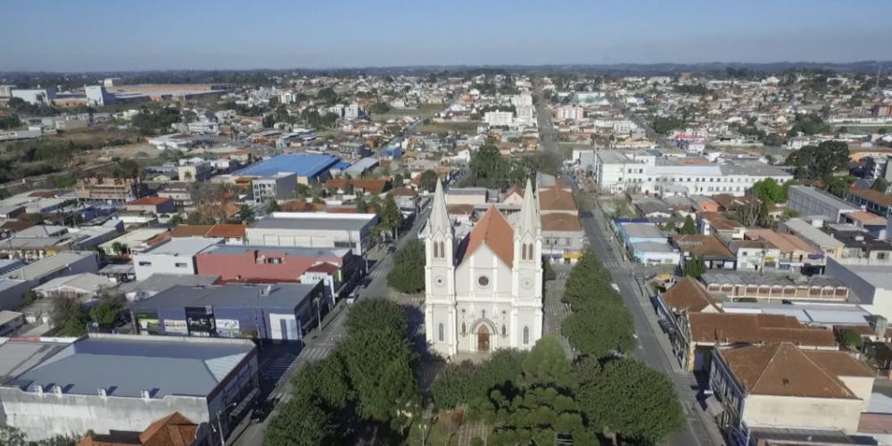 Campo Largo renova contrato com a Sanepar por mais 30 anos. A cidade receberá benefícios e R$ 150 mil por mês