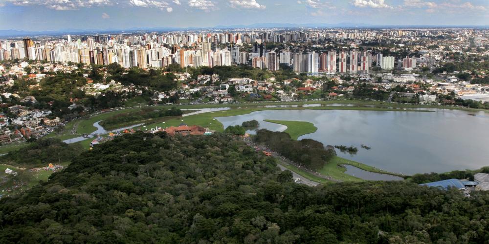 Parabéns Curitiba, cidade sorriso de todos os povos de várias etnias. Cidade acolhedora e cheia de muito amor. Veja o vídeo…