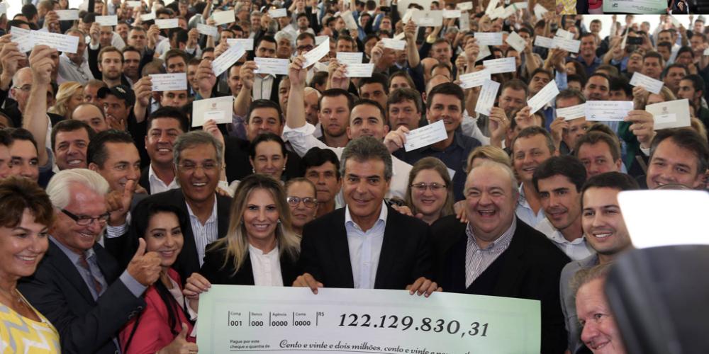 Dinheirama palaciana. Beto Richa, prefeitos e a antecipação de arrecadação. R$ 122 milhões recebidos de empresas através de incentivos fiscais