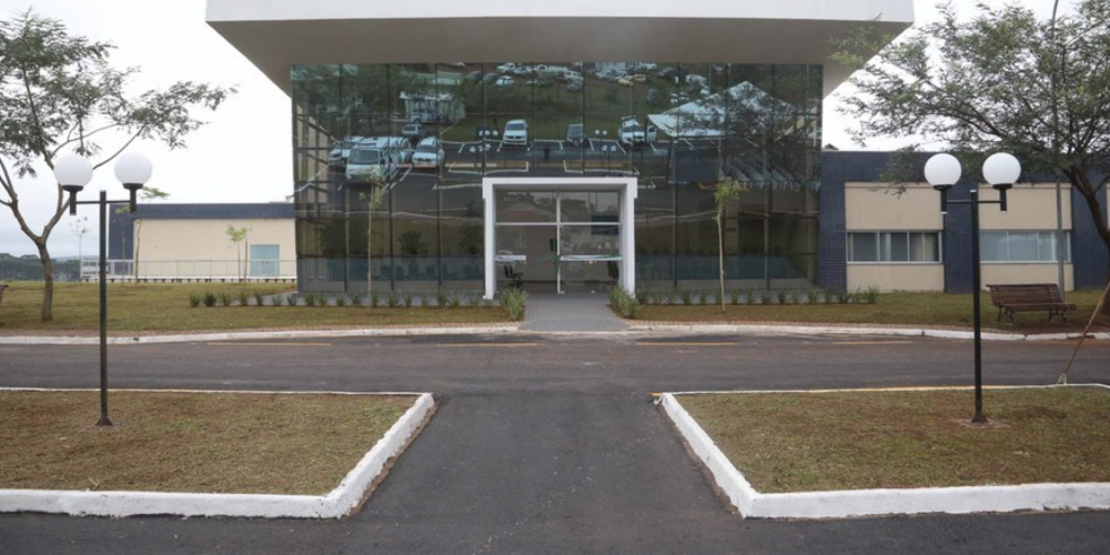 Beto Richa está deixando o governo, batendo boca com delegado e entregando hospital inacabado em Telêmaco Borba