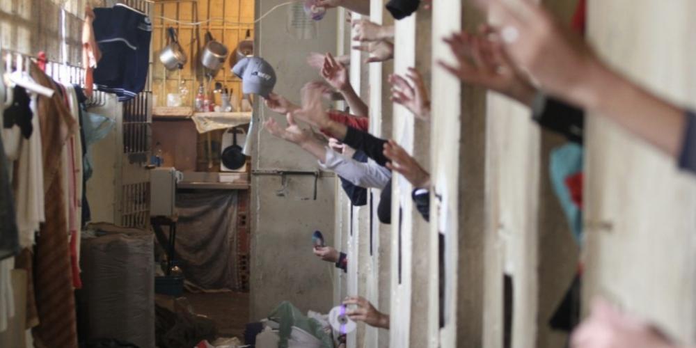 """Defensoria Pública da União enviou nesta quinta (08/02)à ministra Cármen Lúcia12 caixas com 2.331 cartas depresos que """"clamam por indulto"""""""