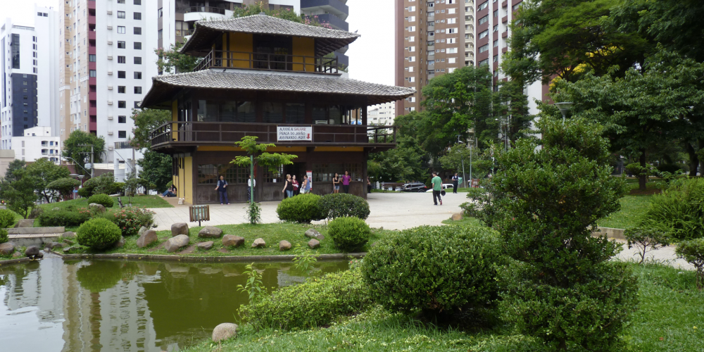 Vaia, confusão e quase um bate boca. Tudo por conta das obras que o município quer fazer no entorno da Praça do Japão
