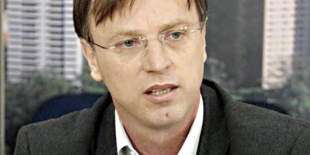 Alexandre Kireeff (PODEMOS) desiste de concorrer ao Senado. Seus olhos estão voltados para o Palácio Iguaçu