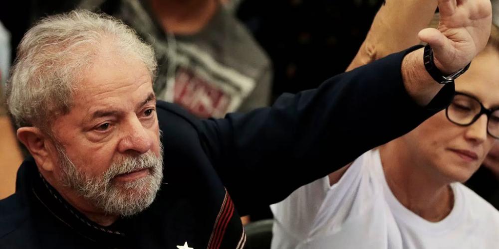 Pelo encaminhamento de tudo que é relacionado ao ex-presidente Lula, a possibilidade dele pedir asilo é real