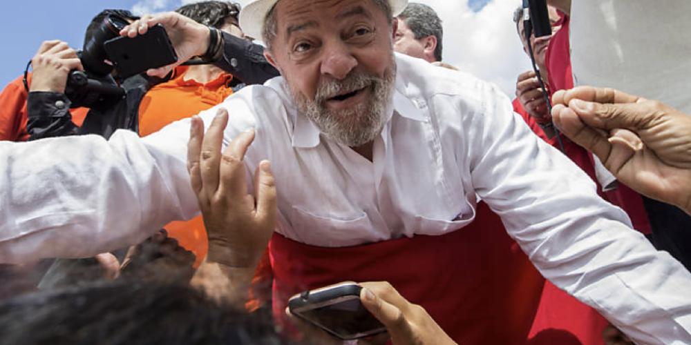 O grande julgamento. Moçada petista do Paraná rumo à Porto Alegre. Partido quer fazer acontecer no próximo dia 24/01