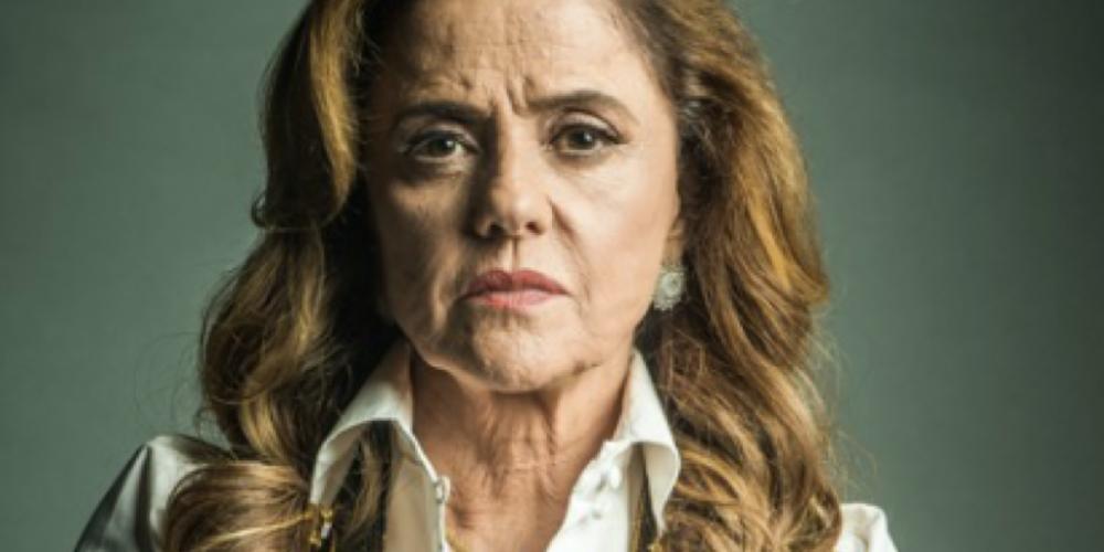 """Bombando nas redes sociais. Marieta Severo nega autoria de texto desejando que Lula tome a """"cana que sempre quis"""""""