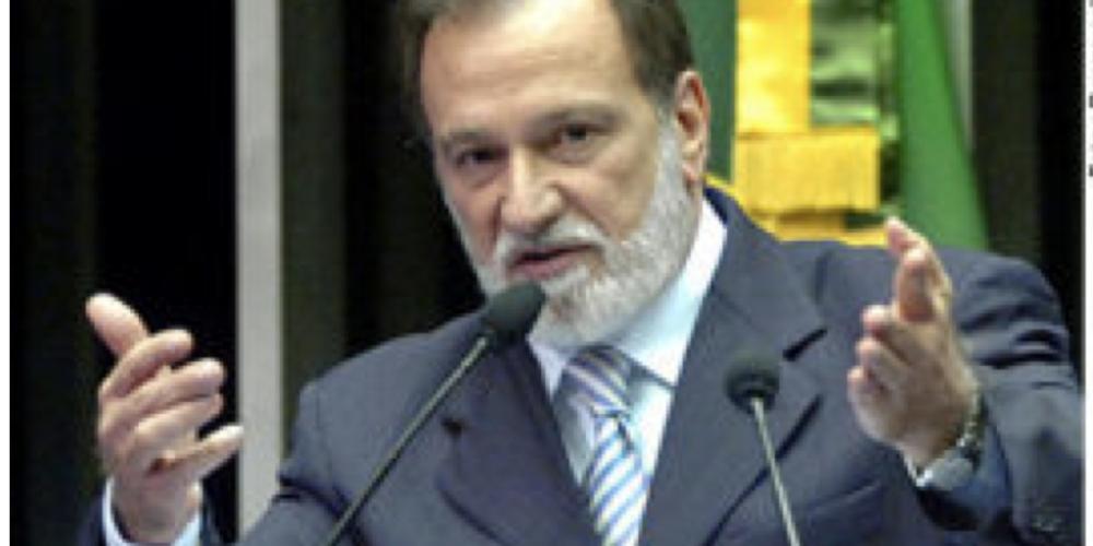 Osmar Dias decidiu. É candidato ao governo e quer ficar no PDT. Contudo, seu presidenciável difere do escolhido pela sigla