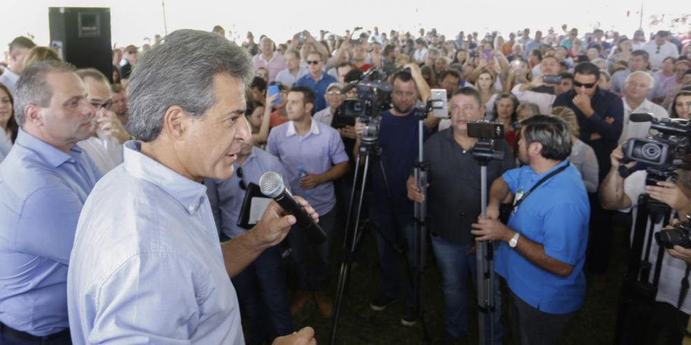 """Beto Richa, o governo dos anúncios. Antes de deixar o cargo, afirmou que """"VAI"""" assinar a ordem de serviço da duplicação da Rodovia dos Minérios"""
