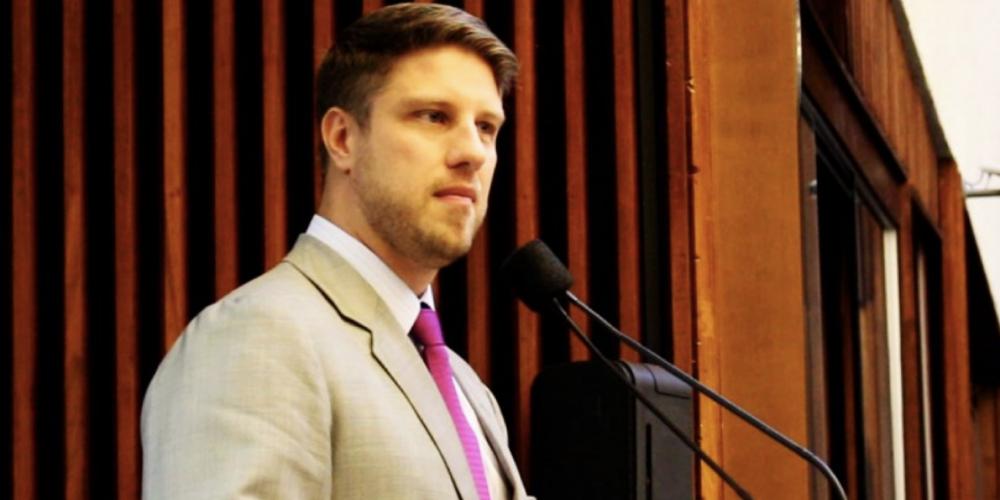 Continua dando o que falar a aprovação da Assembleia Legislativa do Paraná que concedeu gratificações a juízes e promotores