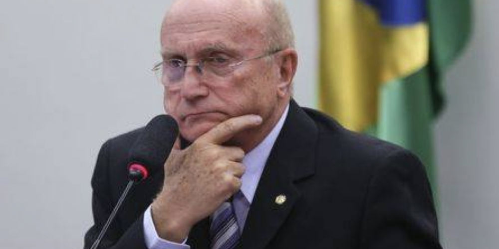 """Depois de ter ajudado a emporcalhar o partido, Osmar Serraglio e mais um """"monte"""" de deputados vão deixar a legenda"""