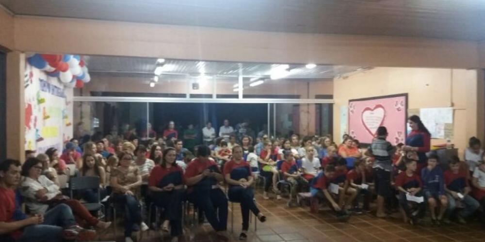 Salários dos professores. Almirante Tamandaré está entre os municípios que melhor pagam os profissionais na área da educação