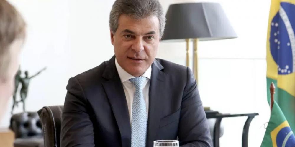 """Beto Richa garante que as finanças do estado """"estão numa boa"""". Contudo, o governo do Paraná vem atrasando o pagamento de fornecedores"""