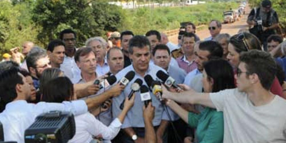 Beto Richa sobe ao palanque, nesta quinta-feira, no norte do Paraná. Pode encontrar por lá alguns fornecedores que estão sem receber do estado