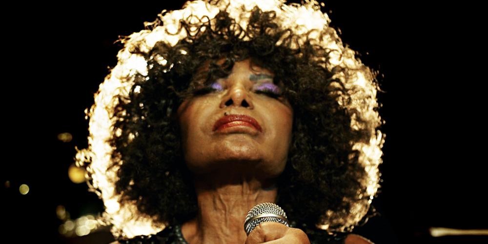 Uma grande mulher. Elza Soares – Mulher do Fim do Mundo