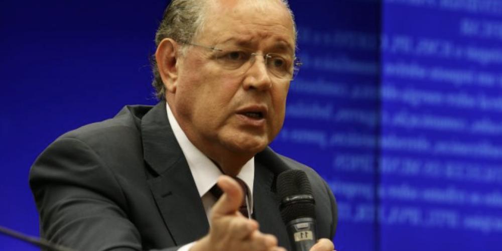 Deputado Hauly defende derrubada de veto a Refis para micro e pequenas empresas. Na avaliação do tucano, o veto foi um grande erro do Planalto