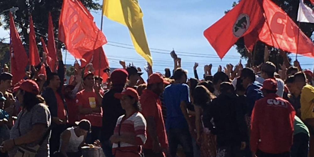 O município de Curitiba quer Lula longe da PF, por conta de transtornos causados com as manifestações
