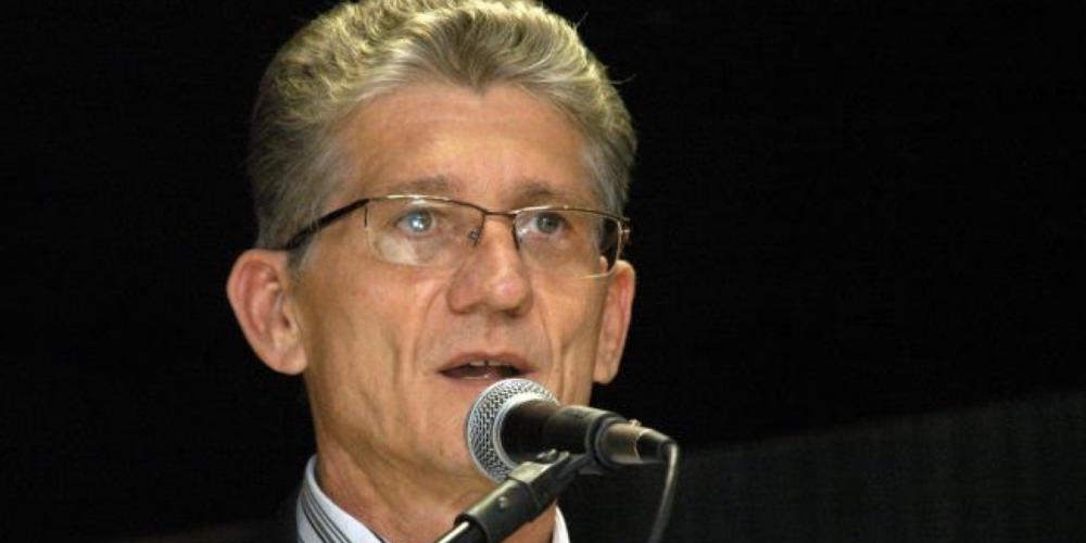 Entrevista. Norberto Ortigara entregou ao governador Beto Richa sua carta de desincompatibilização. Nestas eleições, Ortigara poderá estar em lado oposto ao governador